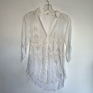 Anthropologie Tiny White & Gold  Embroidery Shirt